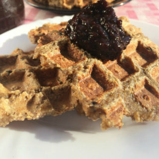 Healthy Oat Waffles – No flour, added sugar, egg