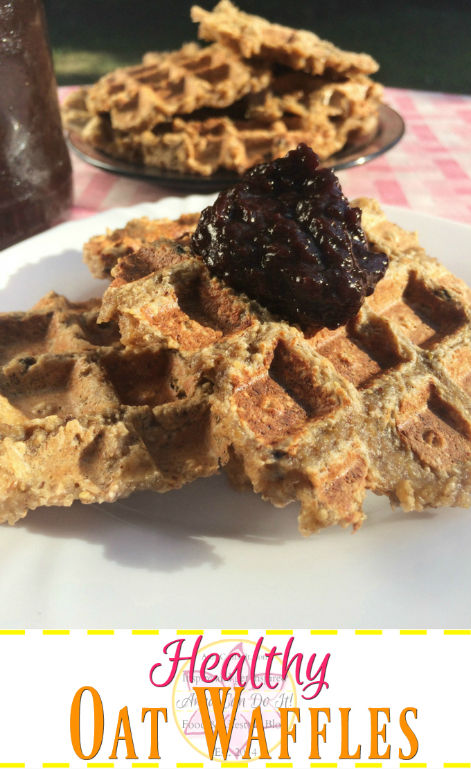 Healthy Oat Waffles - Anna Can Do It! - IIncredibly easy and delicious Healthy Oat Waffles ready within minutes! No flour, no added sugar, no egg! These healthy waffles give you the energy kick-start for September.