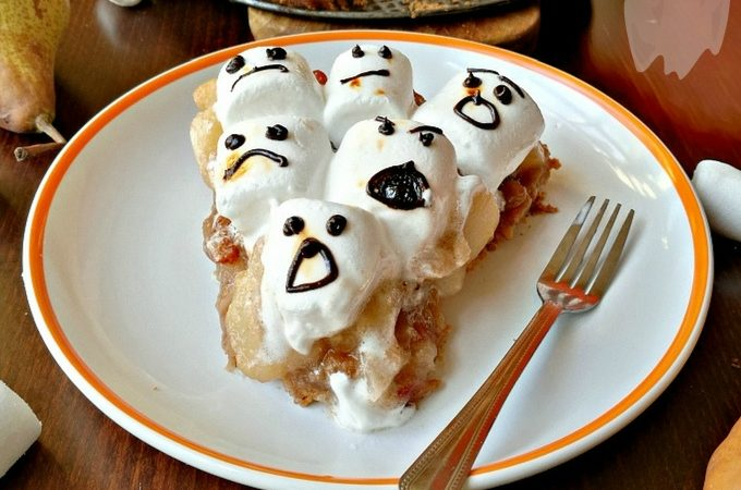 Halloween Ghost Marshmallow Apple Pear Pie - Anna Can Do It!