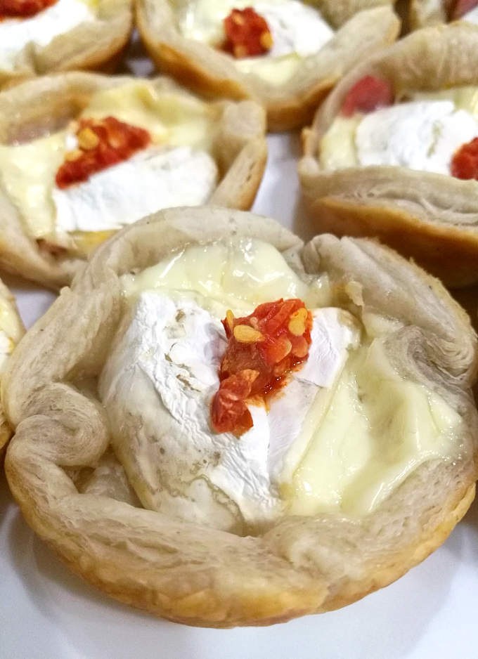 Baked Brie Bites - Blogmas 2017 Day 16 - Anna Can Do It!
