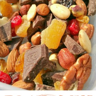 Trail Mix – Nuts, Fruits, Dark Chocolate